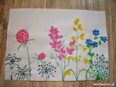 Łąka pełna kwiatów - praca plastyczna (z odcisków palców)  #laka #kwiat #kwiaty #odciskipalców #stemple #pracaplastyczna #lubietworzyc #DIY #meadow #flower #flowers #fingerprint #rubberstamp #przedszkole #kindergarten #preschool