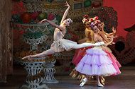 Balanchine's 'Nutcracker' at New York City Ballet - NYTimes.com