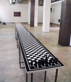 The longest game of chess Chess Table, Cool Inventions, Chess Pieces, Game Design, Best Funny Pictures, Game Room, Board Games, Woodworking, Home Decor