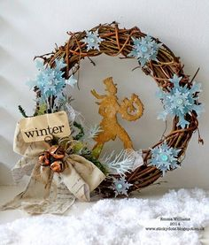Sparkle and Shine Christmas Wreath ~ Simon Says Stamp Monday Challenge featuring products from Tim Holtz and Sizzix
