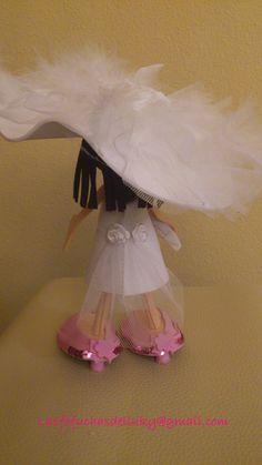 Fofunovios mini personalizados - novia detrás/Personalized mini fofucho dolls - back of bride