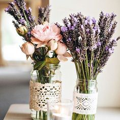 DIY wedding planner with ideas and tips including DIY wedding decor and flowers. Everything a DIY bride needs to have a fabulous wedding on a budget! Floral Wedding Decorations, Rustic Wedding Flowers, Flower Decorations, Diy Wedding, Dream Wedding, Wedding Day, Trendy Wedding, Wedding Vintage, Wedding Lavender