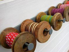 Vintage spools, ribbons holder / Made by Annemiek