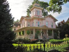 joilieder: Victorian House in Wooster, Ohio. (Photo by I_Dig_Doug.)