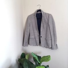 Madewell Tailored Blazer in Stripe Madewell Tailored Blazer in Stripe / a few years old with a bit of wear. Still in good condition and pairs wonderfully with summer whites! Madewell Jackets & Coats Blazers