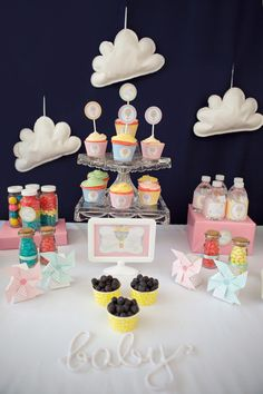 Hot Air Balloon themed baby shower via Kara's Party Ideas KarasPartyIdeas.com Cake, cupcakes, printables, supplies, favors, recipes, and more! #hotairballoons #babyshowerideas #karaspartyideas #partyplanning (16)