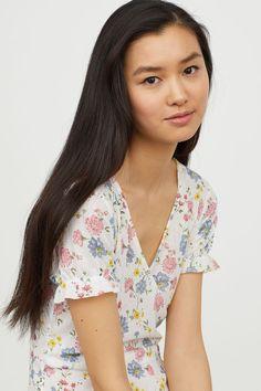 V-ringad klänning - Vit/Blommig - DAM | H&M SE 2