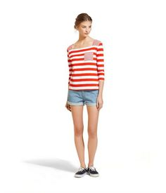 Petit Bateau. T-shirt femme manches 3/4 en jersey léger à grande rayure. 45 euros.
