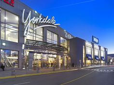 Yorkdale Mall - #Toronto, ON - free parking, nicer set-up of retail stores catering to a less ghetto crowd than the Eaton Centre. #shopping.