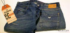 Armani Jeans'ın fit kalıpları ve sezonun önde gelen trendleri ile dikkatler üzerinizde! Hemde %50 indirim ile! #Maxilux #Giyim #Marka #Moda #Fashion #Brand #ArmaniJeans #AJ