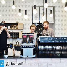 #Repost from @igorjosif - thanks for the nice picture. #coffee #coffeeroasters @lamarzocco @artekglobal #munich #strada #nordic