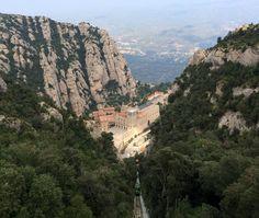 El Monasterio de Santa María de Montserrat es un monasterio benedictino situado en España. Se encuentra en la montaña de Montserrat, perteneciente a la comarca catalana del Bages, provincia de Barcelona, a una altura de 720 metros sobre el nivel del mar. Punto de peregrinaje para creyentes junto con los santuarios de Torreciudad, El Pilar y Lourdes conforman la Ruta mariana.