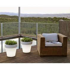 The MAGNOLIA outdoor planter offers several possibilities for bringing soft, pleasant light to your outside areas. This wireless and waterproof light has the resilien. Outdoor Planters, Outdoor Sofa, Outdoor Furniture Sets, Planter Pots, Outdoor Decor, Slide Design, Oil Lamps, Terrazzo, Innovation Design