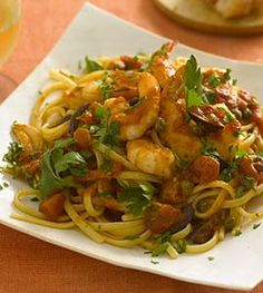 Linguine with shrimp, tomatoes, olives, and capers - Pasta Dinner Recipes - Health Mobile Shrimp Linguine, Linguine Recipes, Pasta Dinner Recipes, Pasta Dinners, Shrimp Recipes, Fresh Pasta, Food For Thought, Italian Recipes, Greek Recipes