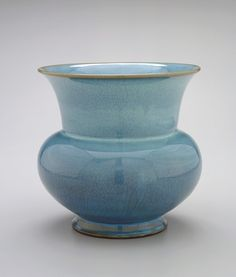 Planter with impressed character i (one)  14th-early 15th century    Yuan or Ming dynasty     Stoneware with Jun glaze  H: 25.6 W: 27.2 cm   China