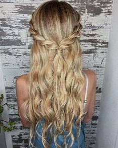 Braid half up half down hairstyle ideas,prom hairstyles,half up half down hairstyles,hairstyle for long hair #diyhairstyles #diyhairstyleshalfup (prom updo for long hair) #WeddingHairstylesHalfUpHalfDown