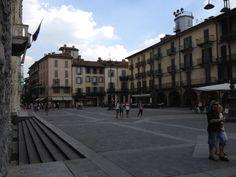 Piazza del Duomo ~ Como, Italy