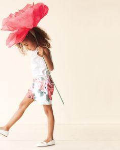 Crepe Paper Flower: Sweet Martha Stewart these look fun!!!