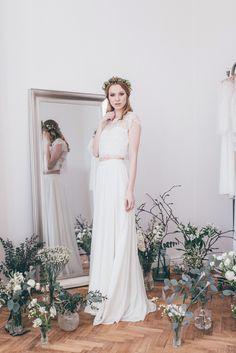 portrait of a bride in a wedding dress in atelier twardowska