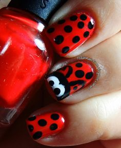 A Ladybug On My Nail ♥ http://polishaddictionn.blogspot.com.br/2013/10/a-ladybug-on-my-nail.html