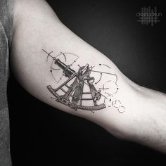 Golden Arrow Street ° Istanbul Booking for okanuckun@gmail.com Sponsored #Eikondevice Nautical Compass Tattoo, Compass Tattoo Design, Cool Small Tattoos, Cool Tattoos, Segel Tattoo, Sextant Tattoo, Sailing Tattoo, Epic Tattoo, Arm Sleeve Tattoos