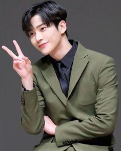 Korean Male Actors, Handsome Korean Actors, Handsome Boys, Cute Korean, Korean Men, Kdrama Actors, Chinese Actress, Kpop, Seong
