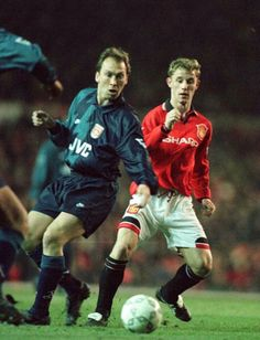 Man Utd 1 Arsenal 0 in March 1996 at Old Trafford. David Platt and Nicky Butt in action #Prem