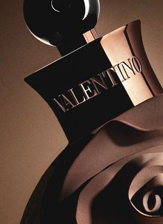 A detail of the bottle of the new Valentino parfum: Assoluto