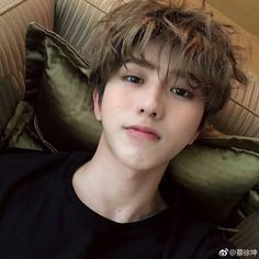 Always and Forever with KUN ( Korean Boy, Cute Korean, Asian Boys, Asian Men, Beautiful Boys, Beautiful People, Wallpaper Aesthetic, Chinese Boy, Ulzzang Boy