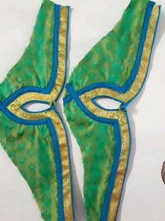 Saree Blouse Neck Designs, Fancy Blouse Designs, Kurti Neck Designs, Bridal Blouse Designs, Sleeve Designs, Kurti Sleeves Design, Sleeves Designs For Dresses, Simple Kurti Designs, Marathi Bride