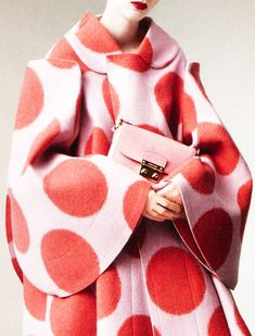 Anniek Kortleve shot by Daniel Jackson for Vogue China, August 2012 (Rei Kawakubo, autumn/winter Comme des Garcons collection) Daniel Jackson, Rei Kawakubo, Lauren Hutton, Red And Pink, Pretty In Pink, Fashion Moda, Womens Fashion, Dots Fashion, China Fashion