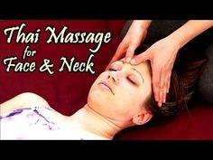 Lien Tran does an instructional massage therapy video for beginners. This video shows Thai massage therapy techniques to cause relaxation. Thai Yoga Massage, Nuru Massage, Reflexology Massage, Hand Massage, Massage Tips, Massage Benefits, Massage Room, Facial Massage, Massage Therapy