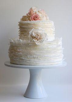 I adore this cake.....so rufflee!