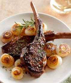Pan-Seared Lamb Chops with Cippolini Onions. Looks like our anniversary dinner is going to be lamb chops! Lamb Chop Recipes, Meat Recipes, Cooking Recipes, Healthy Recipes, Dinner Recipes, Date Night Recipes, Cooking Pork, Dinner Ideas, Healthy Food