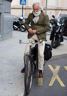 【50代・60代】オリーブジャケット×チノパンの着こなし(メンズ) | Italy Web