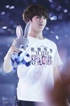 Bunny bunny and Jungkook bunny Jungkook Lindo, Kookie Bts, Jungkook Oppa, Bts Bangtan Boy, Jungkook 2016, Namjoon, Taehyung, Busan, Jung Kook