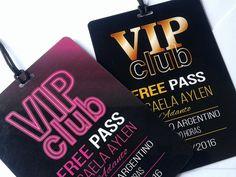 Invitaciones para mis 15 Neon Party, Party Bus, Disco Party, Debut Ideas, Movie Night Party, Ideas Para Fiestas, Birthday Invitations, Wedding, Clothes