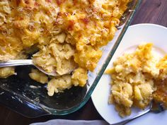 Gluten free, low lactose Mac n' cheese (using cauliflower! Quinoa Salad Recipes, Healthy Recipes, Free Recipes, Quinoa Pasta, Lactose Free Mac And Cheese, Veggie Main Dishes, Macaroni Cheese Recipes, Cauliflower Dishes, Popsugar Food