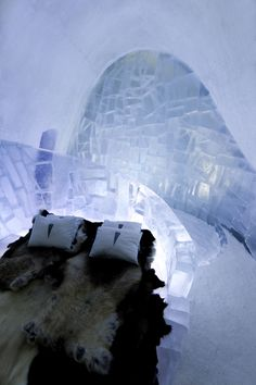 The arctic weather conditions of the village Jukkasjärvi, Sweden make it that prime location for the World's Largest Ice Hotel designed by Art & Ice Hotel Sweden, Arctic Weather, Hotel Bedroom Design, Ice Houses, Glass Houses, Lappland, Ice Sculptures, Fire And Ice, Dream Vacations