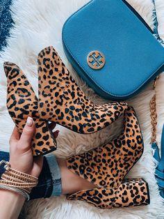 Nordstrom Anniversary Sale 2019 Public Access + TEN Styled Sale Looks - Shoes - Fall Outfit Botines Louis Vuitton, Cute Shoes, Me Too Shoes, Shoe Boots, Ankle Boots, Women's Shoes, Shoes Sneakers, Nordstrom Anniversary Sale, Pumps