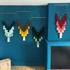 collection#Colors#modele#rose#vert#bleu#jaune#macrame#decoration#deco#creation#artisanat#madeinfrance#madehand#decoration#createurfrancais Macrame Design, Macrame Art, Rose Vert, Woolen Craft, Paper Quilling Cards, Diy Crafts For Girls, Rose Decor, Yarn Wall Hanging, Creation Deco