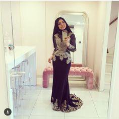 Black jeweled Modest Fashion, Hijab Fashion, Saree With Hijab, Muslim Beauty, Saree Styles, Hijab Styles, Muslim Hijab, Evening Dresses, Formal Dresses