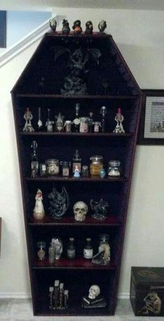 Very cool Halloween display case! #Halloweenhomedecor
