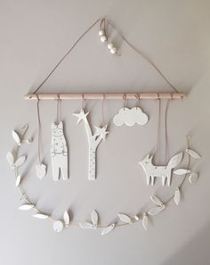 Baby Diy Mobile Simple New Ideas Diy For Kids, Crafts For Kids, Air Dry Clay Ideas For Kids, Mobiles For Kids, Baby Mobiles, Diy And Crafts, Arts And Crafts, Clay Ornaments, Blog Deco