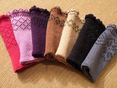 Pulswärmer mit Perlen Mitten Gloves, Mittens, Wrist Warmers, Knitting Patterns, Stitch, Crochet, Tejidos, Women, Gloves