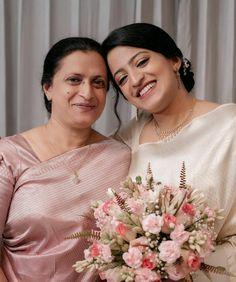 Kerala Wedding Saree, Bridal Sarees South Indian, Christian Wedding Sarees, Christian Bride, Bridesmaid Dresses, Wedding Dresses, Bridesmaids, Saree Wearing, Party Wear Indian Dresses