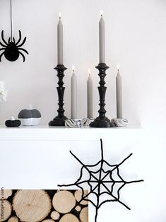 Halloween Mantel DIY Modern Décor -neutral, black and white monochrome craft projects for a easy and inexpensive Halloween décor! #halloween #diy #crafts #halloweendecor #halloweenathome #halloweendecor #halloweencrafts #halloweendiy #halloweenblackandwhite #blackandwhitehalloween #modernhalloween #neutralhalloween Halloween Mantel, Modern Halloween, Fun Halloween Crafts, Festive Crafts, Halloween Party, Black White Halloween, Diy Mantel, French Crafts, Marble Candle