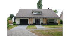 Bungalows, Garages, Ramen, Garage Doors, Villa, New Homes, Outdoor Decor, House, Home Decor