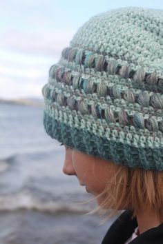 Alnes beanie with reflecting yarn