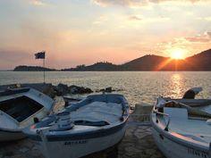 Kristallia Rooms: Αυτό το καλοκαίρι πάμε διακοπές... στο Μοναστηράκι... Boat, Dinghy, Boats